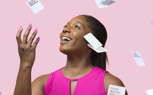 カード・アゲンスト・ヒューマニティ・フォー・ハーで女性カードをプレイする