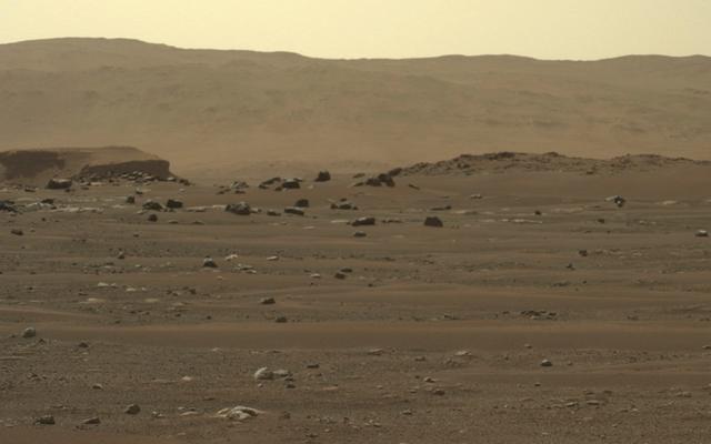Самые интригующие изображения Perseverance, сделанные на Марсе