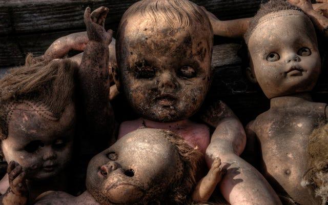 怖くないと間違って主張する女性が発見した世界一怖い人形