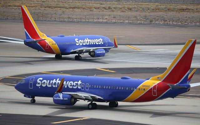 फॉक्स न्यूज: 'प्रोफाइलिंग' ट्रम्प सपोर्टर के लिए साउथवेस्ट एयरलाइंस फ्लाइट अटेंडेंट की जांच की जा रही है