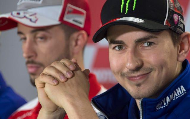 La telenovela de MotoGP se vuelve real mientras el actual campeón salta del barco para demostrar que es el mejor