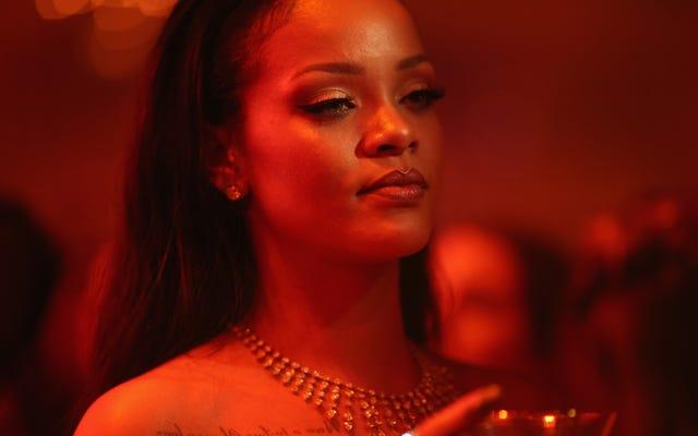 Heiß verdammt! Rihanna bringt die Hitze mit Body Lava