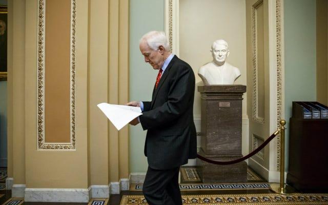 上院共和党員が中絶反対の言葉を人身売買法案に忍び込ませる