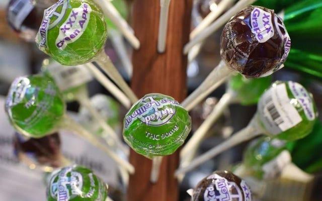 菓子職人によると、食用はあまりにもキャンディーのように見えます
