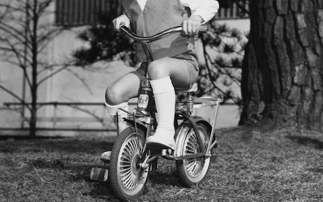 トミー・クラッグスは、街中のシティバイクに乗るハーブアスグーバーです
