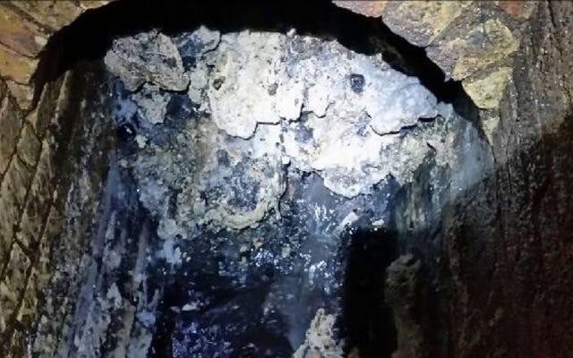 Londra'nın kanalizasyonunu tıkayan 20 fil büyüklüğündeki bu iğrenç şey nedir?