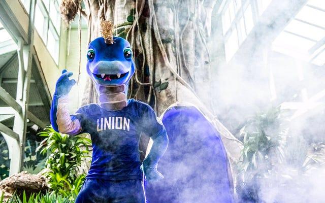 Philadelphia Union présente une nouvelle mascotte, un serpent avec des bras et des jambes, qui sont comme les choses les plus importantes qu'un serpent n'a pas
