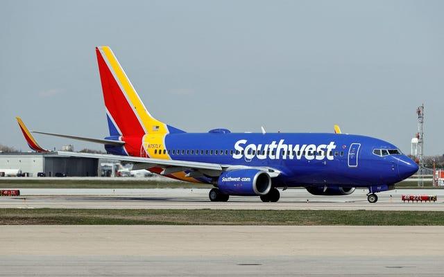 Southwest Airlines ไม่ได้ยกเลิกเที่ยวบินกว่า 2,500 เที่ยว เนื่องจากการประท้วงเรื่องวัคซีน