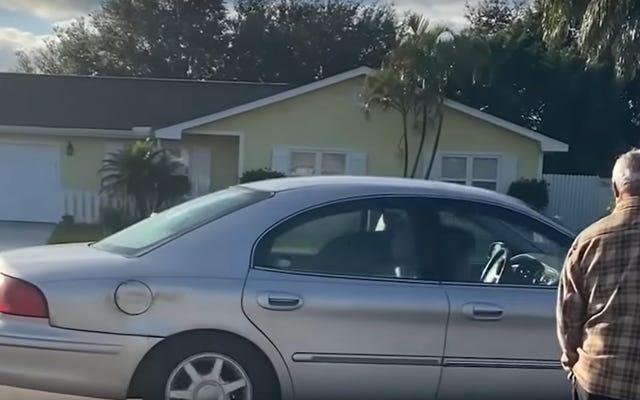 さておき、フロリダマン:フロリダドッグがあなたの家の前でドーナツを運転するために到着しました