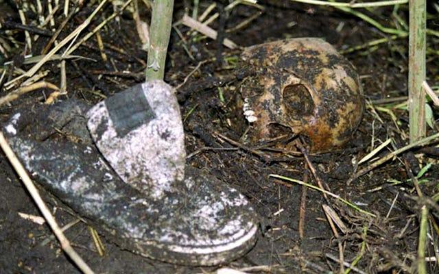 「ここに私はすべての死体を埋めた」:ルイス・ガラヴィトがコロンビアの地図上で彼が史上最大の連続殺人者であることを明らかにした日