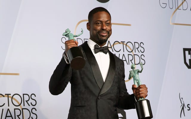 SAG Awards 2019: Sterling K.Brown Double-Fists Statuettes come This Is Us e Black Panther portano a casa le vittorie dell'ensemble