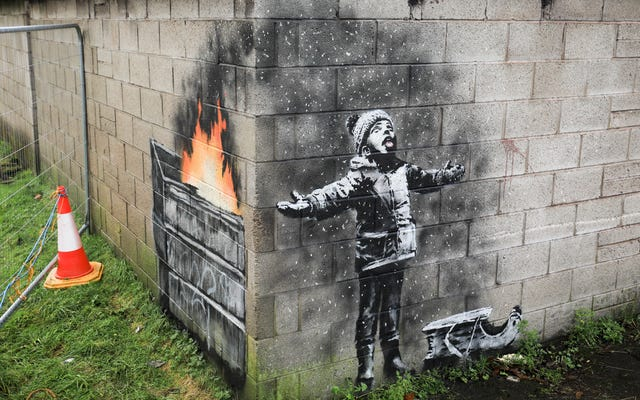 Das neueste Wandbild von Banksy zielt auf Luftverschmutzung in der Stadt ab, die an Ruß erstickt
