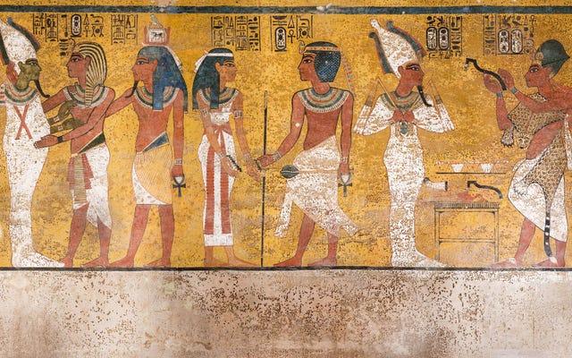 新しく改装されたツタンカーメン王の墓の内部を見る