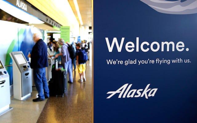 Un vol lié à Anchorage détourné après qu'un homme a tenté d'embrasser un adolescent endormi