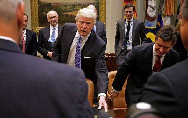 Uno de los consejos asesores empresariales de Trump se ha disuelto por completo