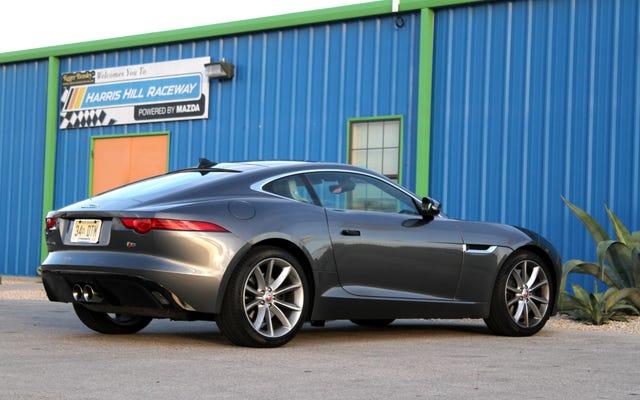 คุณสามารถซื้อ Jaguar F-Type ที่ดีที่สุดได้ในราคา V8 Mustang
