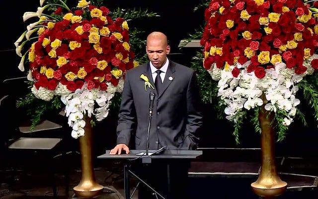 Монти Уильямс призывает к прощению в убедительной речи на поминальной службе жены