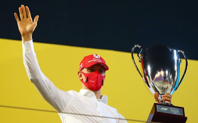 Binotto z Ferrari potwierdza, że Schumacher znów będzie ścigał się o rozdzierającego konia
