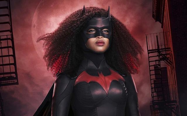 Regardez la saison 2 de Stars of Batwoman décrire la nouvelle saison en un mot
