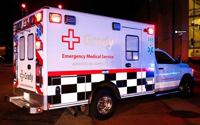 救急車の泥棒は、ジャック・イン・ザ・ボックスのドライブスルーのサイレンの呼び出しに抵抗できません