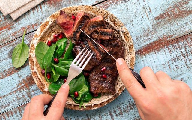 Önce bir yemeğin en iyi kısmını mı yiyorsunuz yoksa sonuna kadar mı saklıyorsunuz?