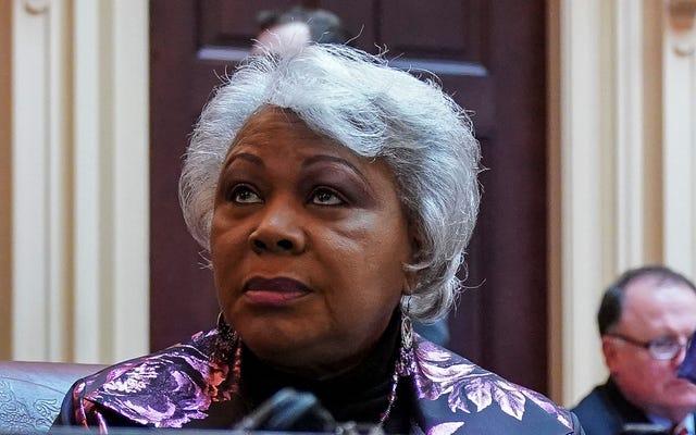 Người phụ nữ da đen đầu tiên lãnh đạo Thượng viện Virginia đối mặt với tội danh sau cuộc tấn công tàn bạo vào vật thể vô tri