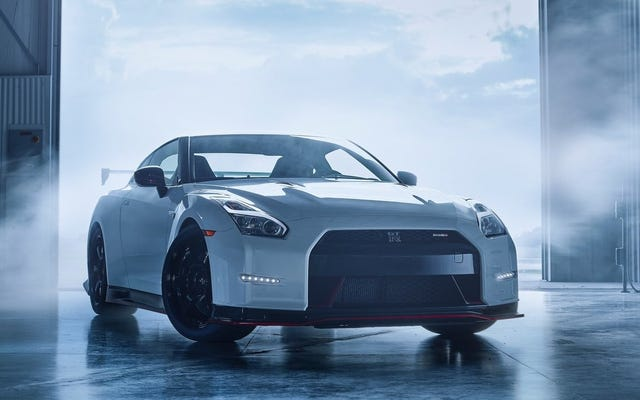 待ってください、それで日産GT-Rは最高の再販価値の1つを持っていますか?