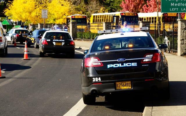 Dewan Sekolah Los Angeles Memangkas $ 25 Juta Dari Kepolisian Sekolah menjadi Alih-alih Menjadi Rencana Prestasi Siswa Kulit Hitam