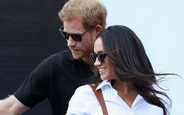 Lei è la tua futura principessa: il principe Harry mette un anello su Meghan Markle