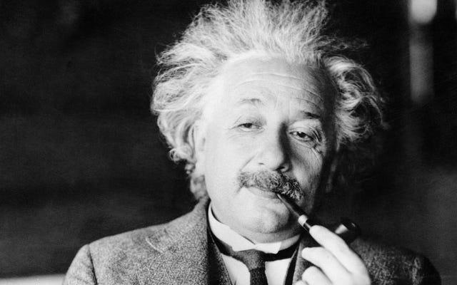 アルバート・アインシュタインは、彼の人生のアドバイスが現金のチップ以上の価値があることを証明しました