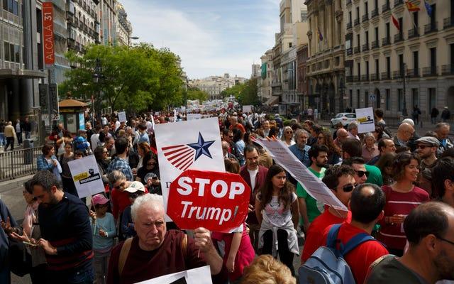 Trump'ın Beyaz Sarayı'nın Bilim Protesto Politikaları için Küresel Yürüyüşler
