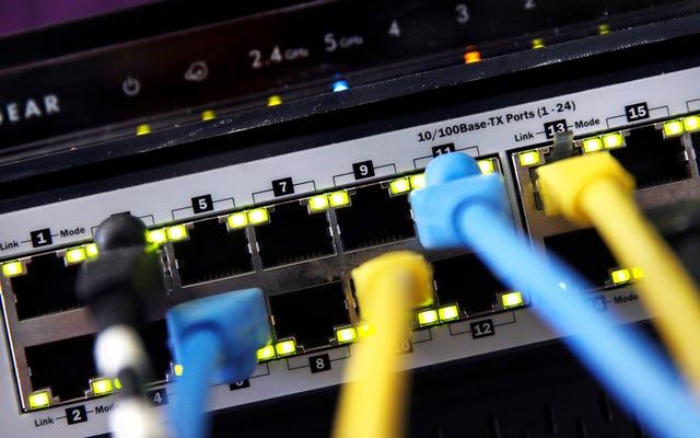 ハッカーは盗まれたNSAエクスプロイトが再び有用であると判断し、数万台のルーターを危険にさらします