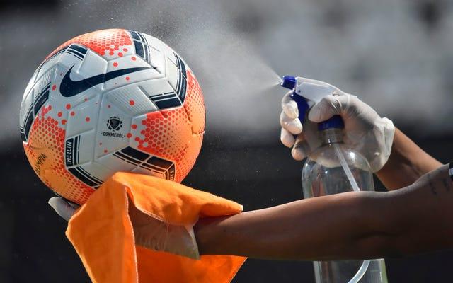 アリゾナは愚かさのために大規模なサッカートーナメントを主催する