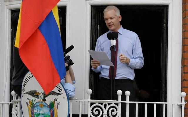 Las opciones de Julian Assange para salir de la embajada ecuatoriana se están reduciendo rápidamente