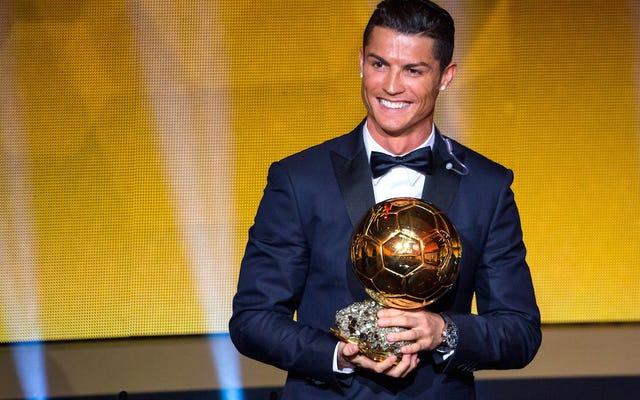 Cristiano Ronaldo, przyzwoity piłkarz, wygrywa FIFA Player of the Year