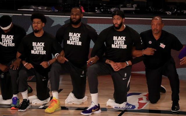 NBA trở lại, nhưng thông điệp công bằng chủng tộc của nó không