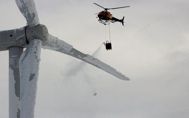 Image virale prétendant montrer un hélicoptère dégivrant des éoliennes du Texas est de l'hiver 2014 en Suède