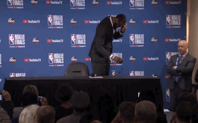 LeBron James part en colère après que le journaliste lui ait demandé ce que pensait JR Smith