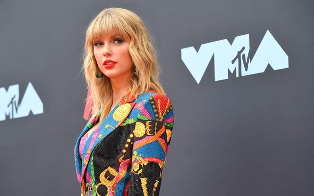 Taylor Swift, Masters Fight'ın Sonucu Olarak Kasım 2020'ye Kadar Kaydedilen Performansların 'Soru İşaretidir' Dedi
