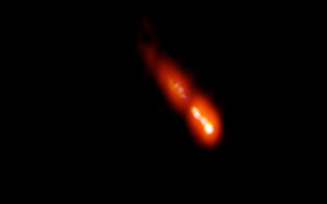 初期宇宙からの巨大な放射性ジェットが発見されました