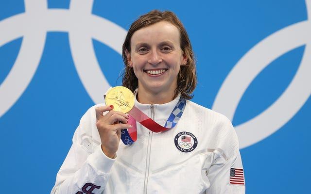 Peraih Medali Olimpiade yang Kembali Untuk Memilih Cameos Untuk 2 Baris Dialog yang Disampaikan dengan Kaku