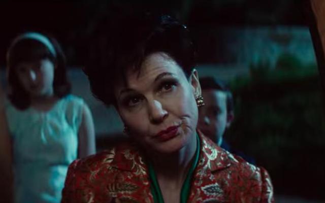 นี่คือRenée Zellweger ในฐานะ Judy Garland ในตัวอย่างใหม่