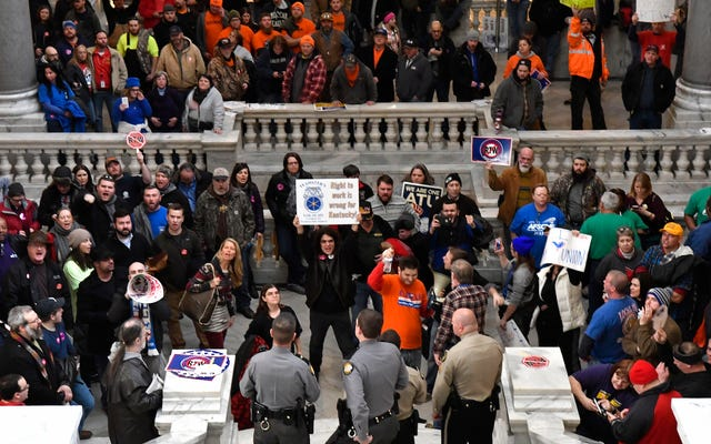 El gobierno de Kentucky sobre la nueva legislación sobre el derecho al trabajo y la prohibición del aborto durante 20 semanas