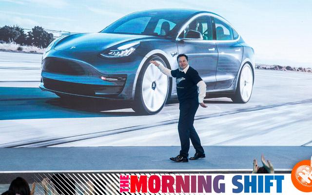 テスラが中国製の自動車のためにエネルギー密度の低いバッテリーに移行する理由