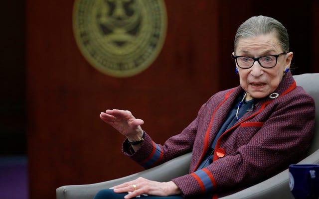 Odetchnij z ulgą: Ruth Bader Ginsburg wróciła ze szpitala
