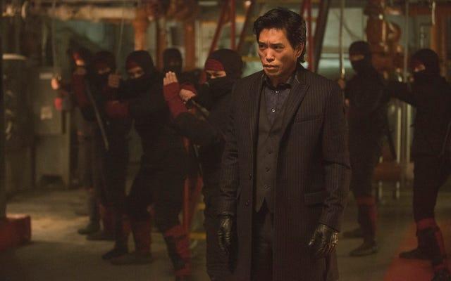デアデビル俳優のピーター・シンコダは、ジェフ・ローブが作家にアジアのキャラクターを開発しないように言ったと言います