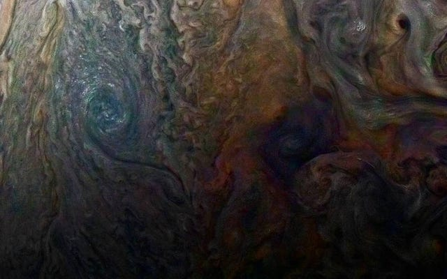木星の新しいクローズアップ画像はとても催眠術で痛い