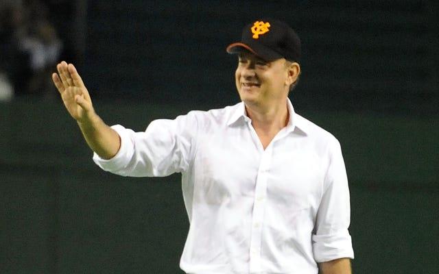 Tom Hanks no está demasiado enfermo para recordarnos que todavía no hay llanto en el béisbol