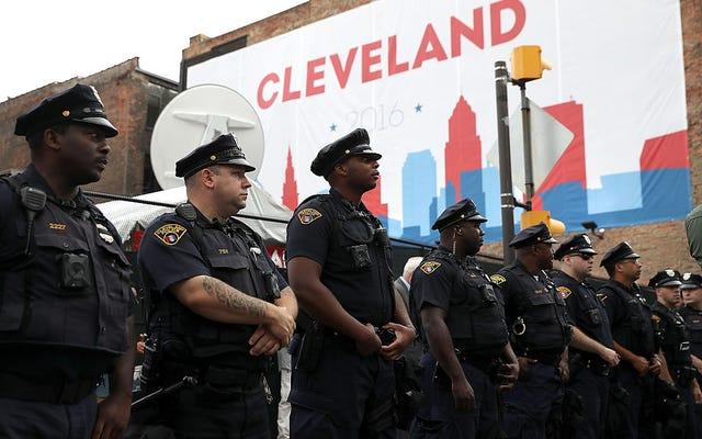 クリーブランド警察組合はタミールライスの殺人者の発砲を覆そうとしている