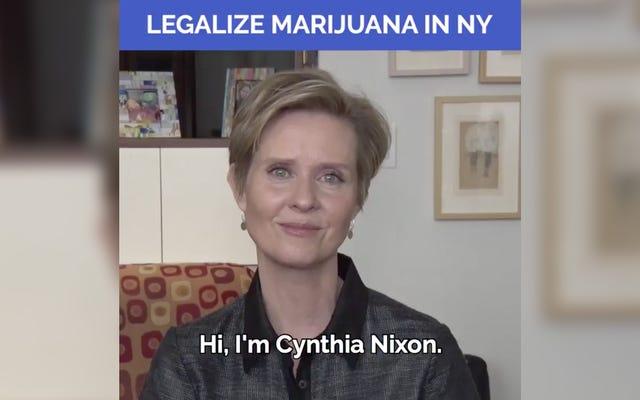 Cynthia Nixon respalda cuidadosamente la marihuana legal, pero no consigue rasgar un bong en video